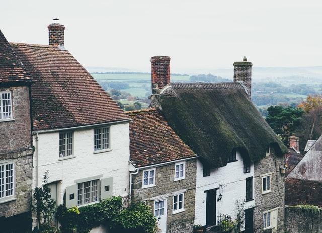 village-maisons-en-rangées-angleterre