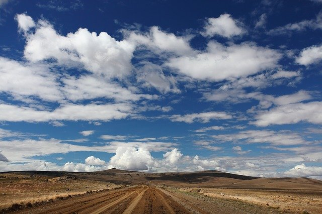route-et-paysage-désertique