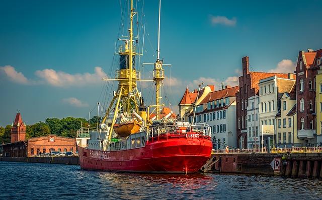 bateau-amarré-au-port