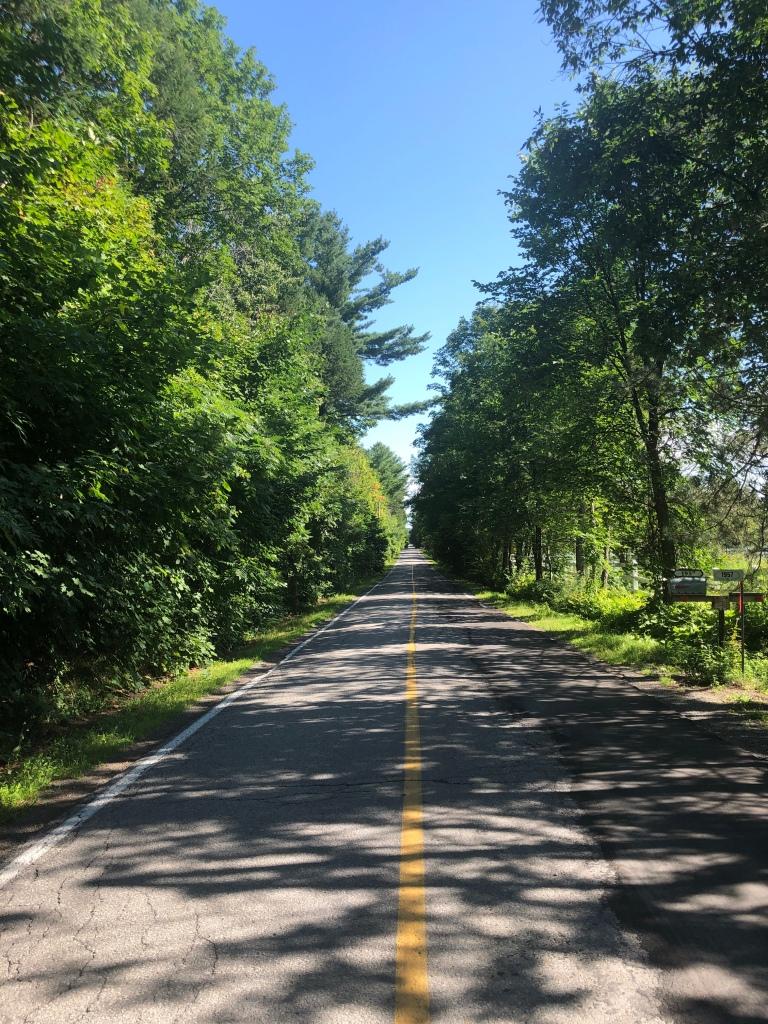 route-droite-asphaltée-infini